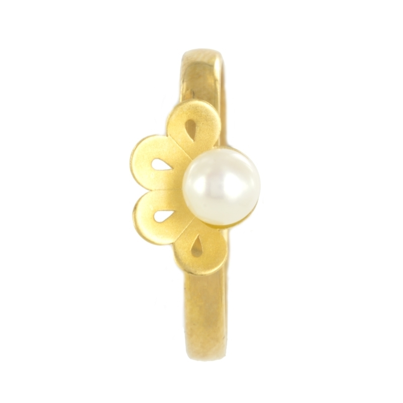 Anillo de oro con perla